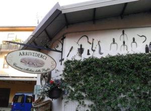 Insegna Residence Cascina Molino della Paglia di Buccinasco provincia Milano realizzata da Insegne Antiche