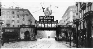 Catramina Bertelli, Vendita Straordinaria Demolizione del Ponte (insegna a sx) - Milano