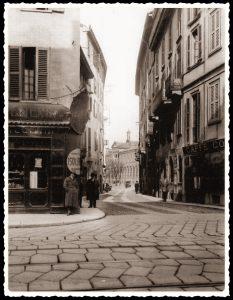 Via Osti, vista da Corso di Porta Romana. In fondo l'Ospedale Maggiore, oggi Università Statale