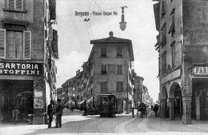Sartoria Stoppini e Farmacia Arrigoni - Piazza Cinque Vie, Bergamo