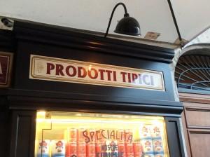 """Insegne Trattoria """"Primo Cafè"""" a Campo de' Fiori"""