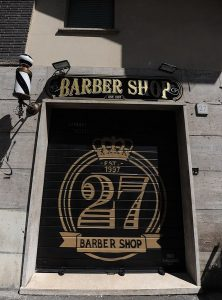 Insegna Barber Shop di Roma realizzata da Insegne Antiche