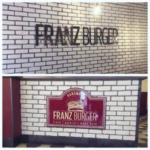 Insegna Paninoteca di Roma Franz Burger realizzata da Insegne Antiche