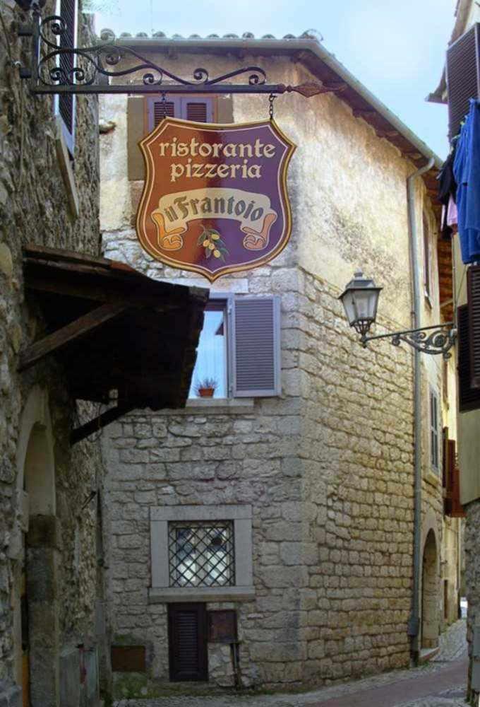 Insegna a Bandiera per Ristorante e Pizzeria prodotta da Insegne Antiche