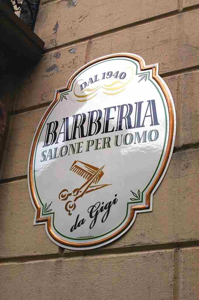 insegna a muro vintage per barberia prodotta da insegne antiche