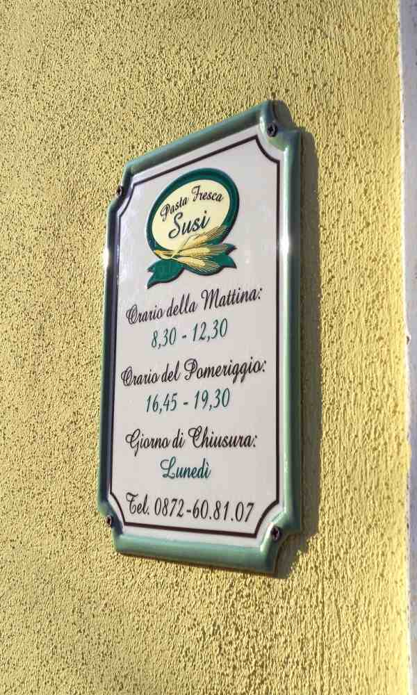 targa personalizzata per esterno per negozio prodotta da insegne antiche