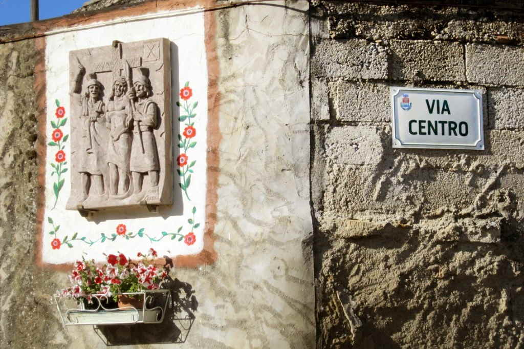 toponomastica stradale prodotta da insegne antiche